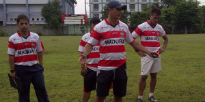 Pelatih MDR UNT