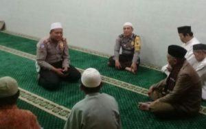 Kanit Lantas Polsek Sawahan Sosialisasikan Safety Riding Kepada Jamaah Masjid As Salam Patemon