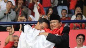 Prabowo – Jokowi Berpelukan, Suasana Politik Terasa Adem