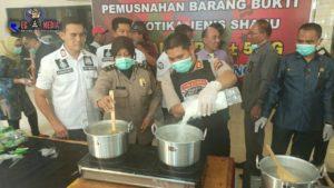 Tim Cobra Polres Lumajang Rebus 5 Kg Sabu-Sabu Kedalam Panci