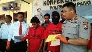 Polisi Bekuk Dua Pelaku Pencuri Hp di Sampang