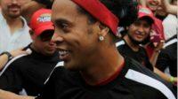 Ronaldhino, Sang Mega Bintang Yang Kini Dikabarkan Bangkrut & Terjerat Hutang