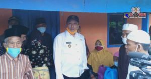 Kisah Haru Buk Mursi'a Nenek Miskin Saat Dikunjungi Bupati Sampang