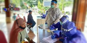 100 Pedagang Pasar Antri Baru Cimahi di Swab Test