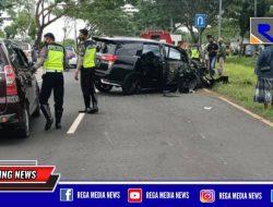 Kecalakaan di Akses Suramadu Mobil Inova Rinsek