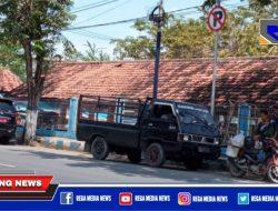 Pick Up & Mobil Dinas Pemkab Sampang Kepergok Nongkrong Didekat Rambu Dilarang Parkir