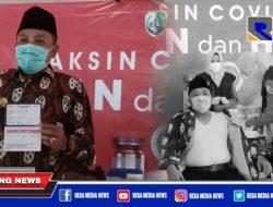 Bupati Sampang H. Slamet Junaidi Jalani Vaksinasi Perdananya