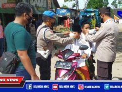 Jalan Raya Pasar Bungkak Sampang Jadi Sasaran Penyekatan
