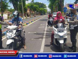 Hari Pertama Operasi Patuh Semeru, Polisi Pamekasan Bagikan Brosur